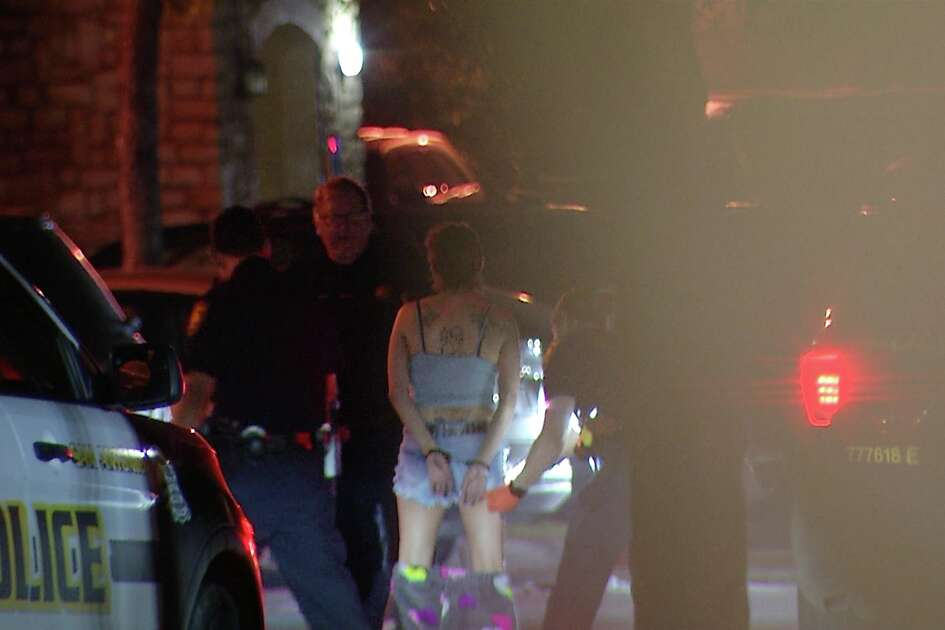 An argument ended in a woman shooting her boyfriend early Monday morning, San Antonio police said.