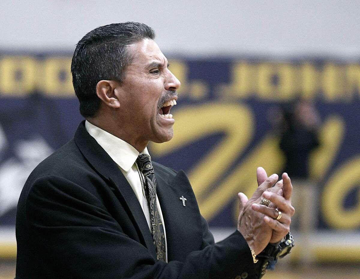 Alexander basketball head coach Luis Valdez