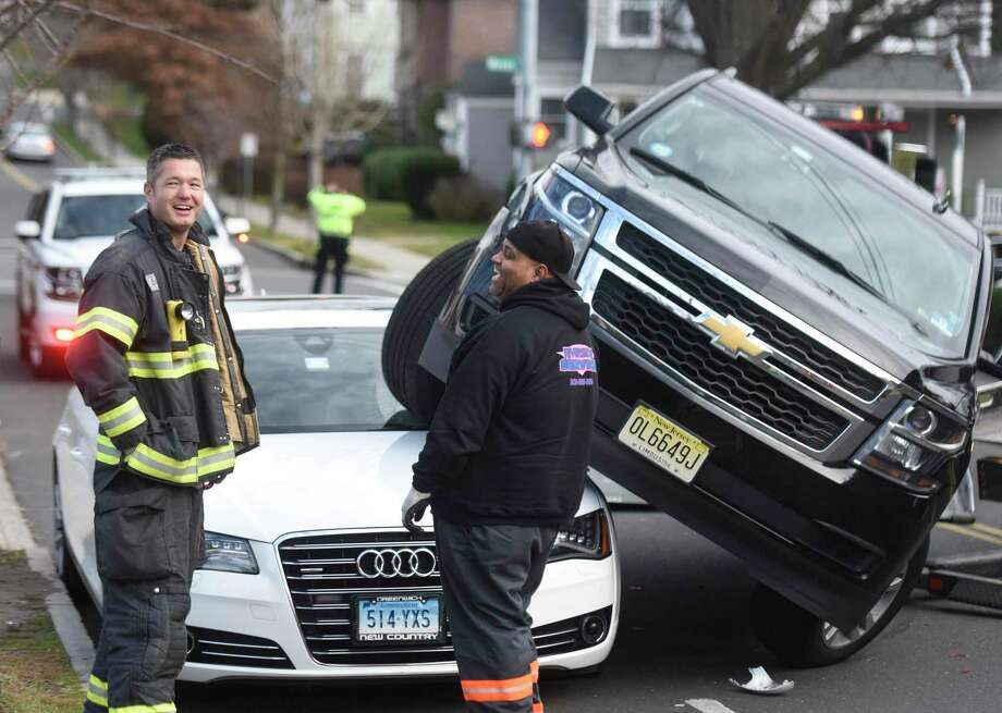 A December 2016 auto accident in Greenwich, Conn. Photo: Tyler Sizemore / Hearst Connecticut Media / Greenwich Time