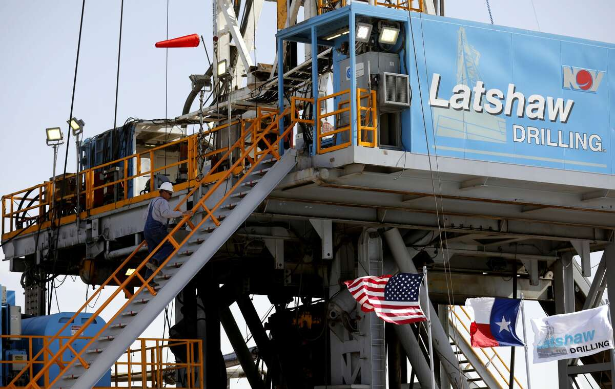 Latshaw Drilling Rig on a Diamondback Energy site is seen April 17, 2019 in Midland County.