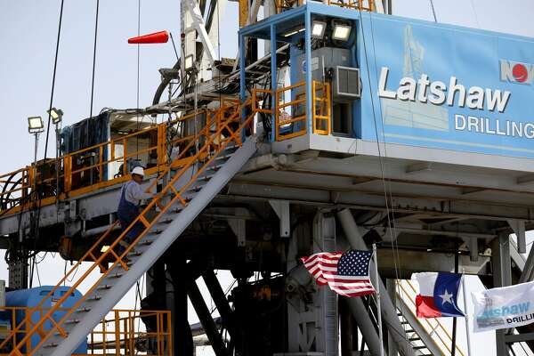 Latshaw Drilling Rig on a Diamondback Energy site is seen April 17, 2019 in Midland County. The company plans to keep expenditures flat compared to 2019, with a capital budget of $2.8 billion to $3 billion for 2020.
