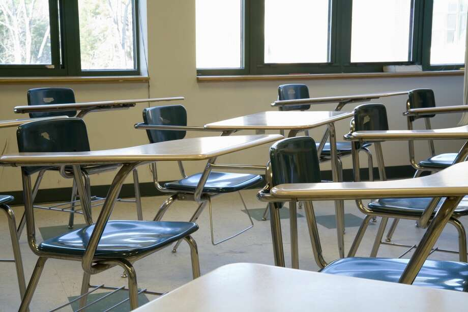 A new study published in The Lancet Child and Adolescent Health journal finds that school closures have little impact on COVID-19 deaths. Photo: Stella/Getty Images/fStop