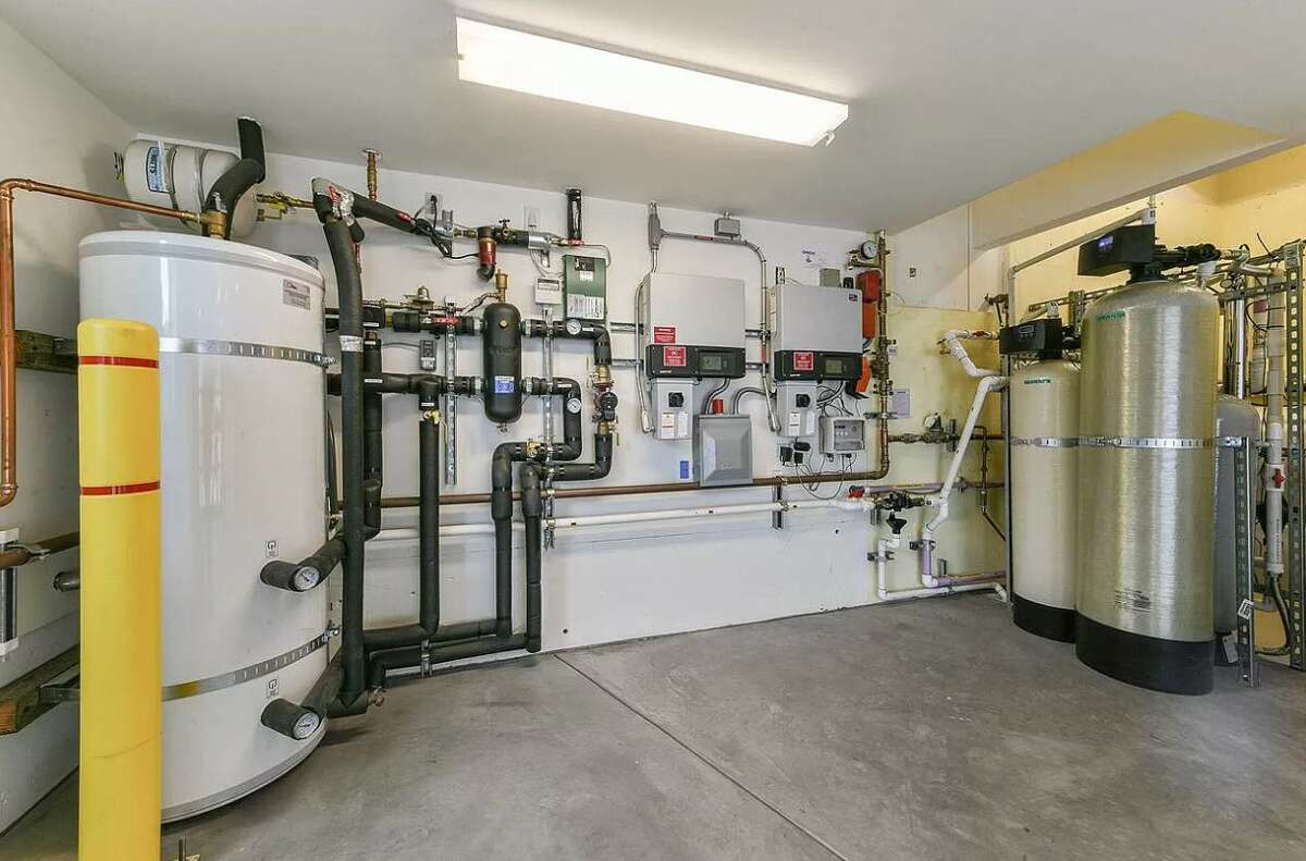 This all-electric Berkeley home has a zero-carbon footprint and is for sale for $2.4 million.