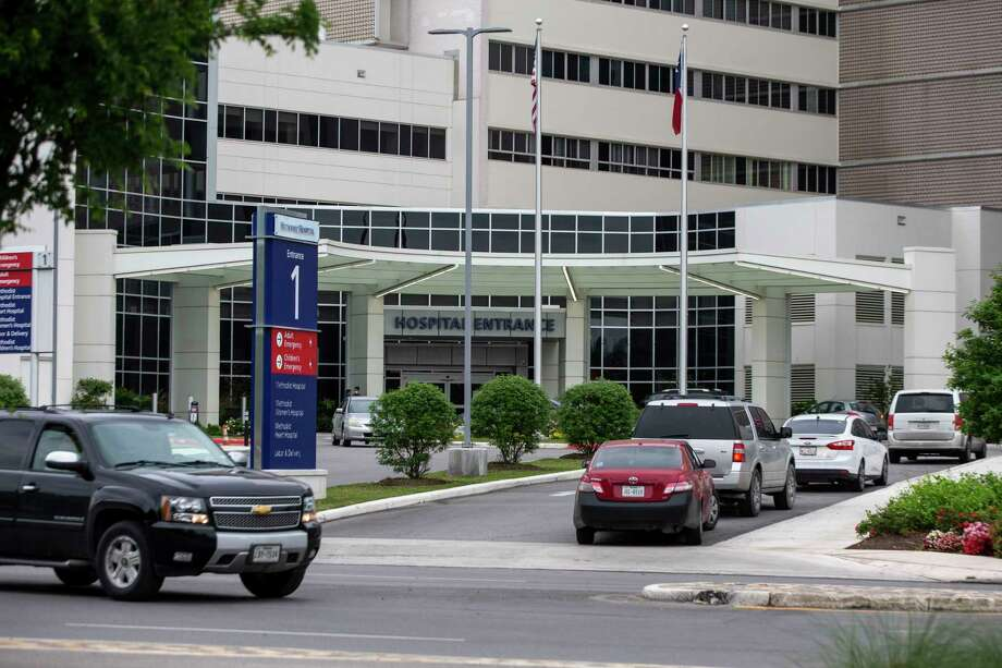 As of Tuesday, Methodist Healthcare System has implemented a no-visitor policy at all of its facilities in response to the increase of COVID-19 cases in San Antonio. Photo: Josie Norris / Staff Photographer / **MANDATORY CREDIT FOR PHOTOG AND SAN ANTONIO EXPRESS-NEWS/NO SALES/MAGS OUT/TV