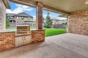 Missouri   City : 2 Aliano Court      List   price : $539,000
