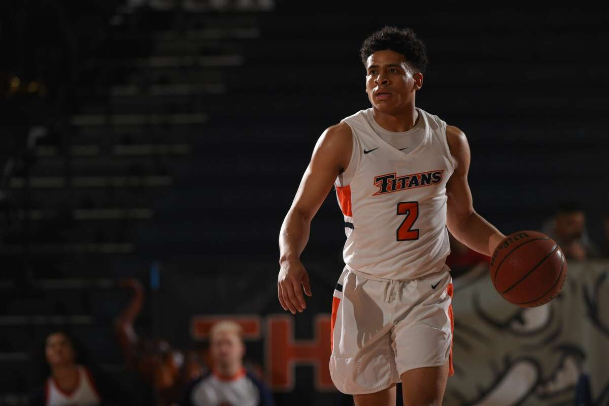 Midland Christian grad Daniel Venzant dribbles the ball for Cal State Fullerton in an undated photo. Photo by Emarie Marie.