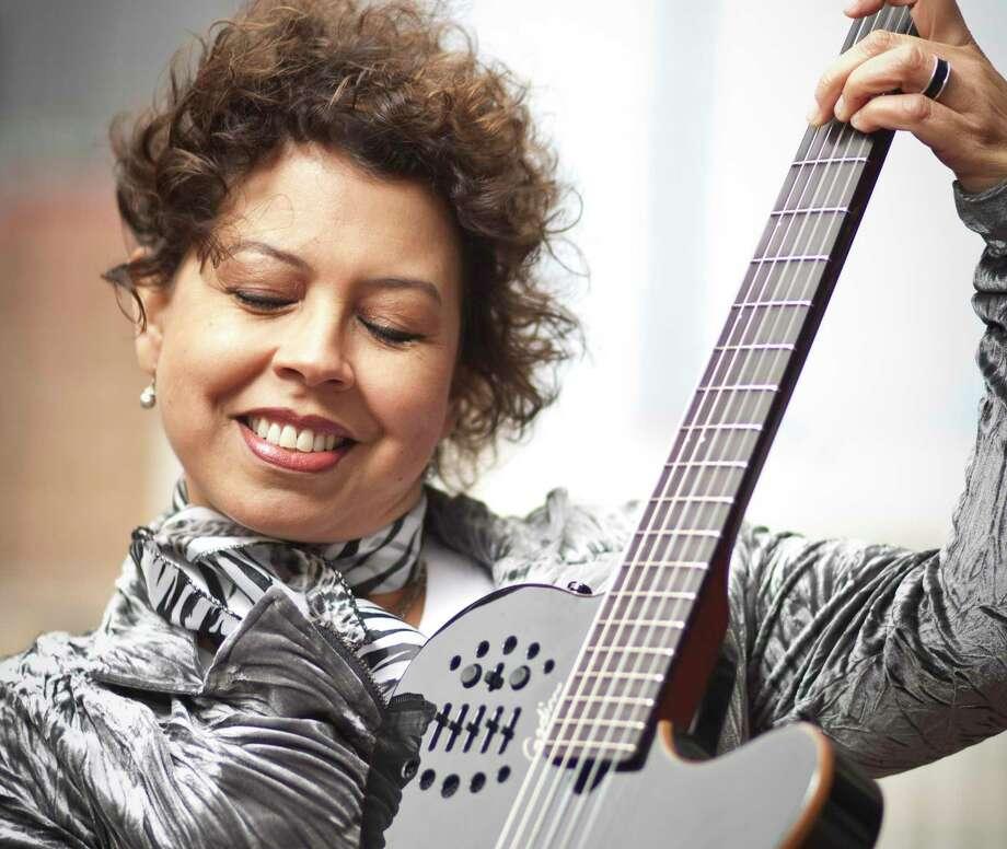Brazilian singer songriter Lois Albez, photographed, Wednesday, April 3, 2013, in Houston. ( Nick de la Torre / Chronicle ) Photo: Nick De La Torre, Staff / Chronicle / © 2013 Houston Chronicle