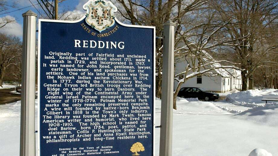 The sign in front of the Redding Town Hall Photo: File Photo\Carol Kaliff / File Photo / The News-Times File Photo