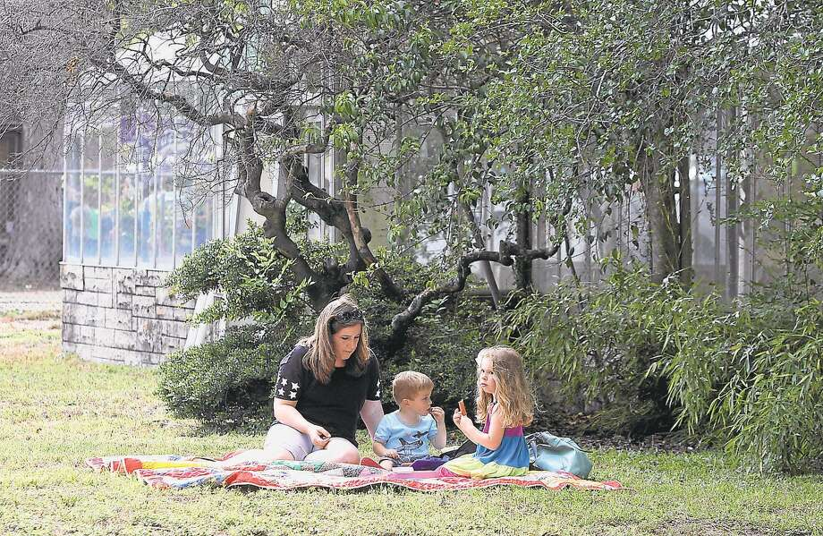 Evelyn's Park Conservancy in Bellaire will be closed through the holiday weekend. Photo: Photo By Alan Warren, Staff Photographer / Houston Community Newspapers