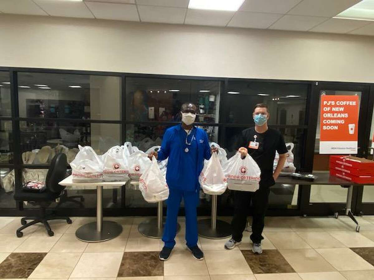 Tomball staff picking up hot Panda Bowls for the HCA Houston Healthcare Tomball department.