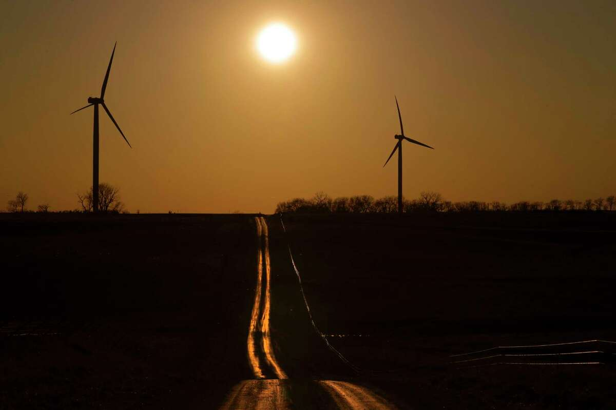The Energy Department under Rick Perry delayed clean energy grants, slow-walked hiring and left staffing levels in the nation's clean energy programs far below what they were at the end of the Obama administration, according to government records
