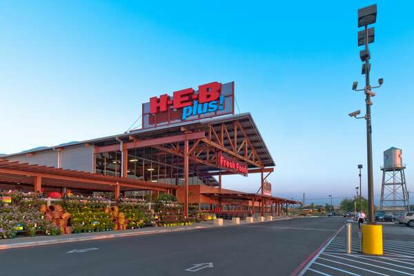 H-E-B continues to help Texans during the coronavirus pandemic as the company will be delivering more than 75,000 chef-inspired meals to area hospitals in the Lone Star State for the next five weeks.