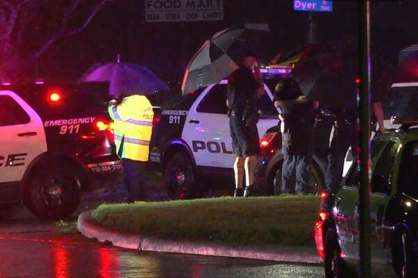 Houston police investigate a deadly shooting in the 2100 block of South Victory Drive on Thursday, April 9, 2020.
