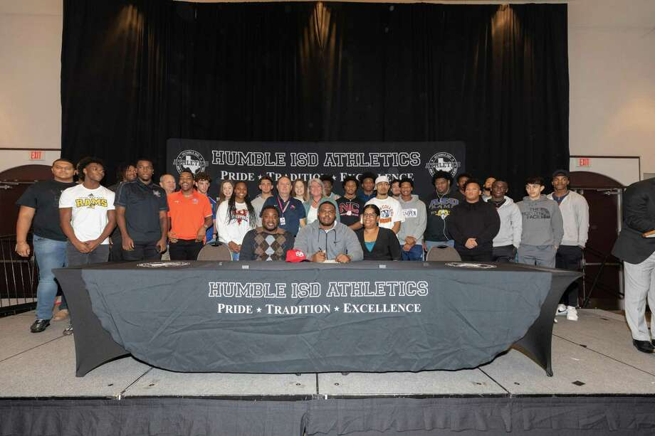Atascocita's Jermarques Bailey signs to play football at New Mexico University. Photo: Contributed Photo From Humble ISD