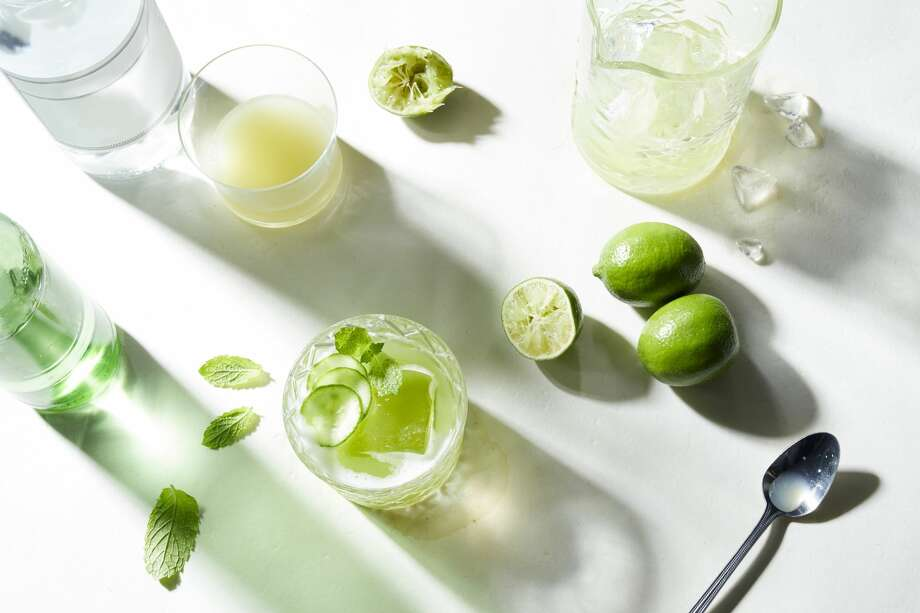 Let the libations be delivered. Keep scrolling through the slideshow to see a host of Seattle restaurants and bars offering DIY cocktail kits. >>> Photo:  Ryan Benyi Photography Via Getty Images