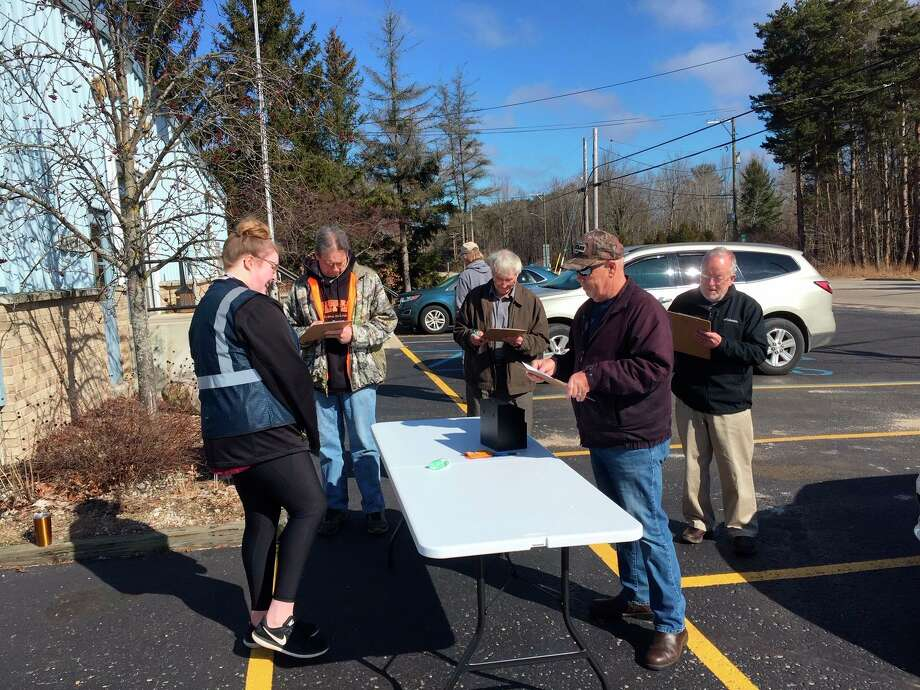 West Shore Community College students conduct an exit poll in Hamlin Township of Ludington in the March Primary election. Students were in Ludington and Manistee on that day to collect information. (Courtesy photo)