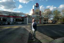 Bob Giaimo is president and co-founder of Silver Diner.