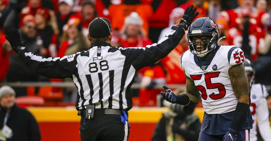 Benardrick McKinney #55 of the Houston Texans argues a pass interference call with field judge Brad Freeman #88 during the second quarter of the AFC Divisional playoff game against the Kansas City Chiefs at Arrowhead Stadium on January 12, 2020 in Kansas City, Missouri. (Photo by David Eulitt/Getty Images) Photo: David Eulitt/Getty Images / 2020 David Eulitt
