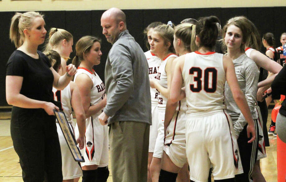 The 2019-2020 Harbor Beach girls varsity basketball team has placed second on the Basketball Coaches Association of Michigan's Academic-All State Division 3 girls rankings. Photo: Huron Daily Tribune File Photo