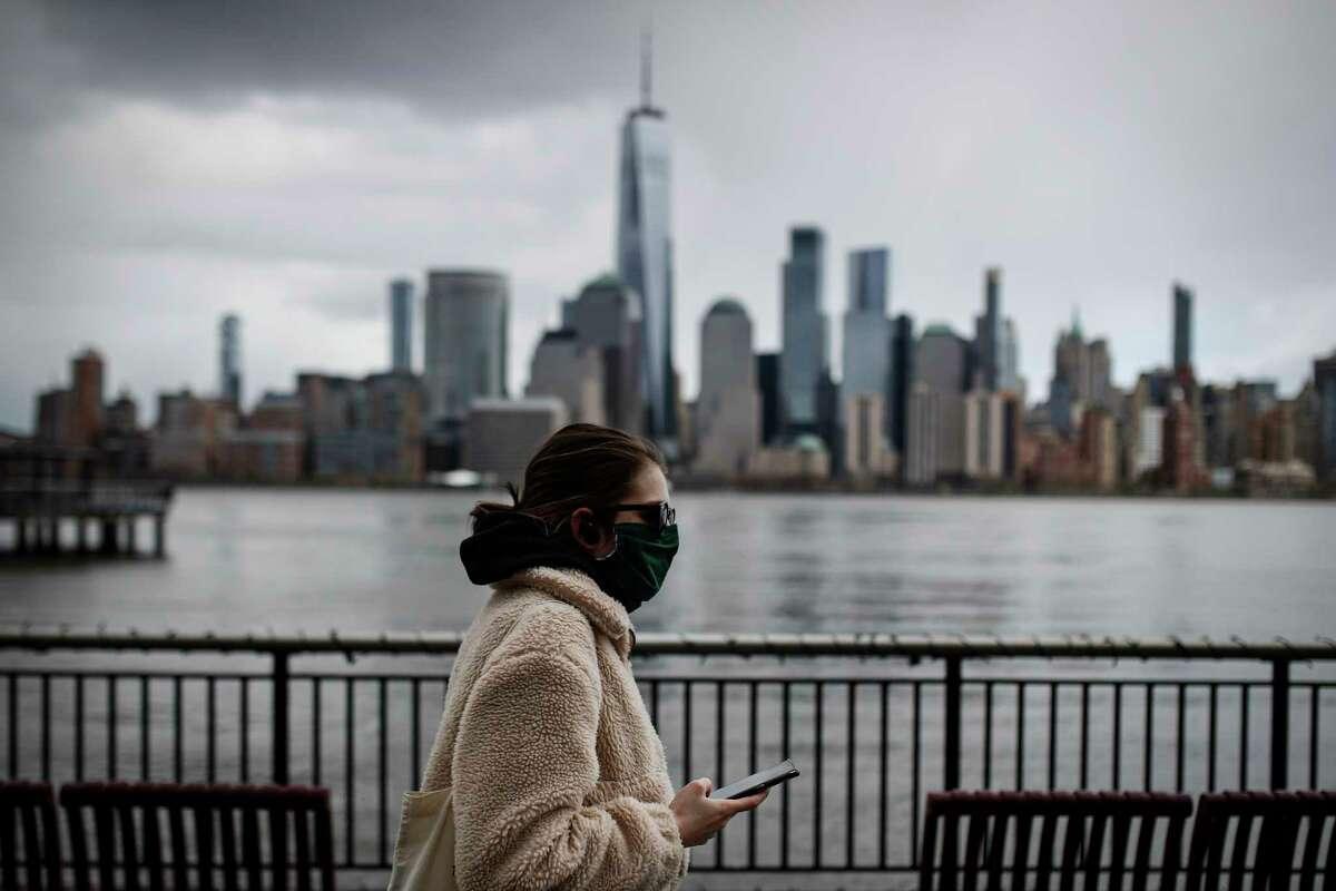 NEW YORK Population: 19.45 million 202,208 cases1,039.6 per 100,000 10,834 deaths55.7 per 100,000