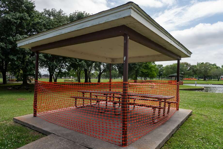 Saturday was a beautiful day and folks were out enjoying it in parks across the area. Photo made on April 11, 2020. Fran Ruchalski/The Enterprise Photo: Fran Ruchalski/The Enterprise / © 2020 The Beaumont Enterprise