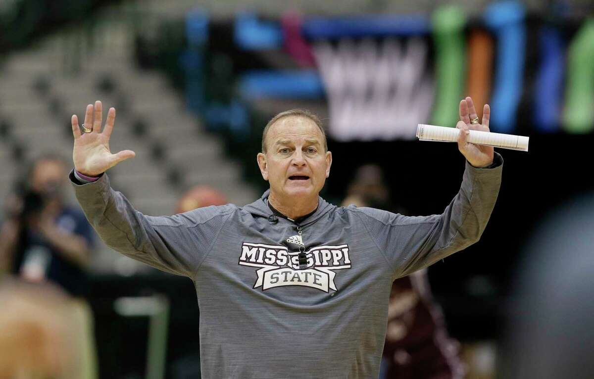 Mississippi State head coach Vic Schaefer works with his team during a practice session for the women's NCAA Final Four college basketball tournament, Thursday, March 30, 2017, in Dallas. Mississippi State will play Connecticut on Friday. (AP Photo/LM Otero)