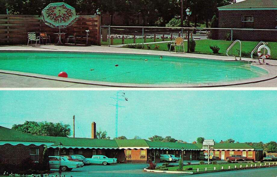 A view of the Riverside Motel circa 1960s. It was the first motel to come to the city of Manistee.
