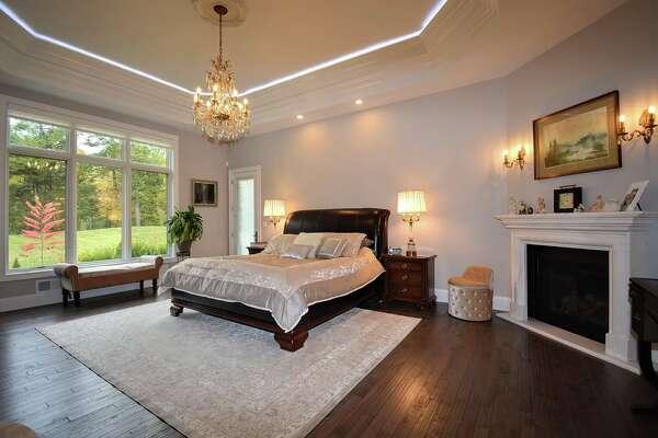 $1,950,000.22 Taprobane, Colonie, 12211.View listing.