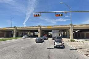 Interstate IH 35 NB ML over Eisenhauer Rd
