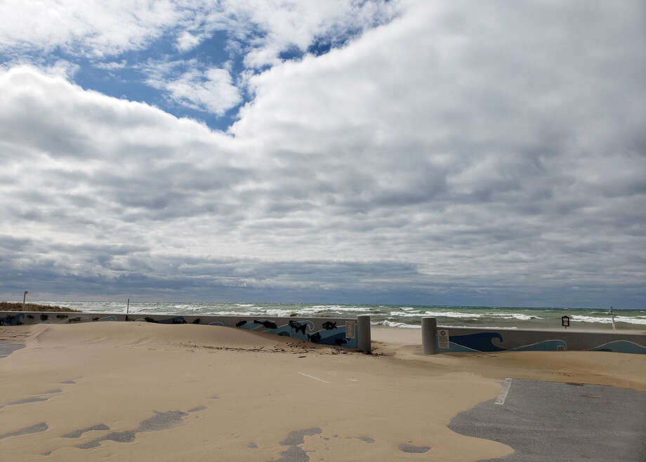 Forecasts for Monday showed wind gusts of up to 50 mph, which could cause high waves and shoreline erosion along Lake Michigan. Photo: Dylan Savela/News Advocate