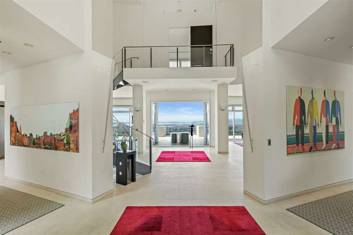 Former Golden State Warriors star Kevin Durant has listed his Oakland Hills home off-market for $5,998,888.