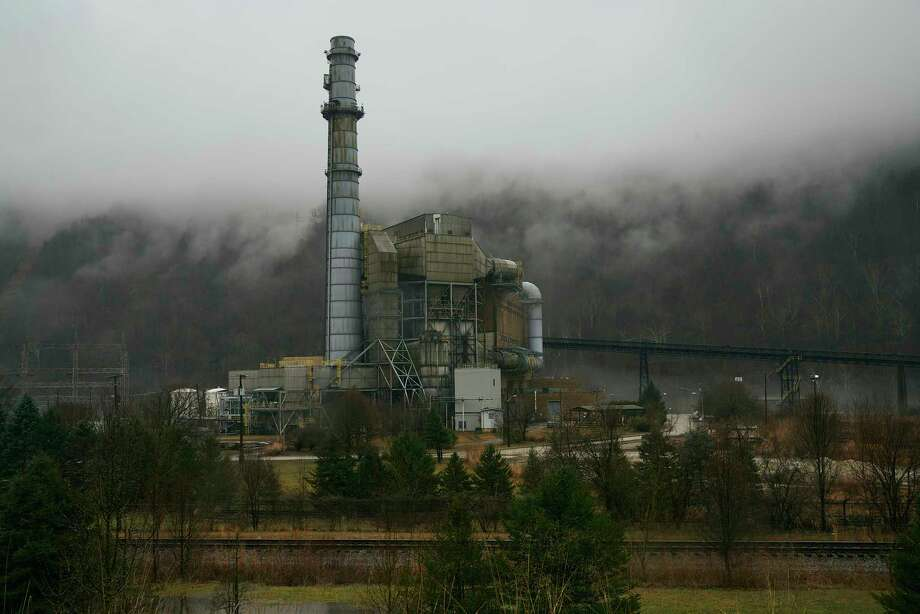 The Kanawha River coal-fired power plant in Hansford, W.Va., shown Feb. 6,2020, closed in 2015. Photo: Washington Post Photo By Stacy Kranitz / The Washington Post