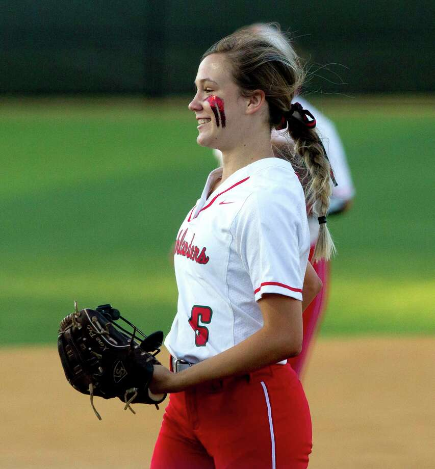 The Woodlands relief pitcher Avery Taylor (6) smiles in the fourth inning of Game 2 during a Region II-6A bi-district softball playoff series at Grand Oaks High School, Thursday, April 25, 2019, in Spring. Photo: Jason Fochtman, Houston Chronicle / Staff Photographer / © 2019 Houston Chronicle