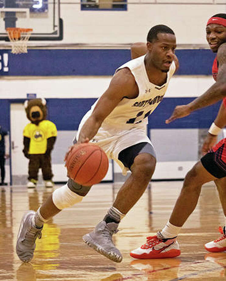 Courtney Carter in action for South Suburban College. He is SIUE's newest recruit. Photo: SIUE Athletics