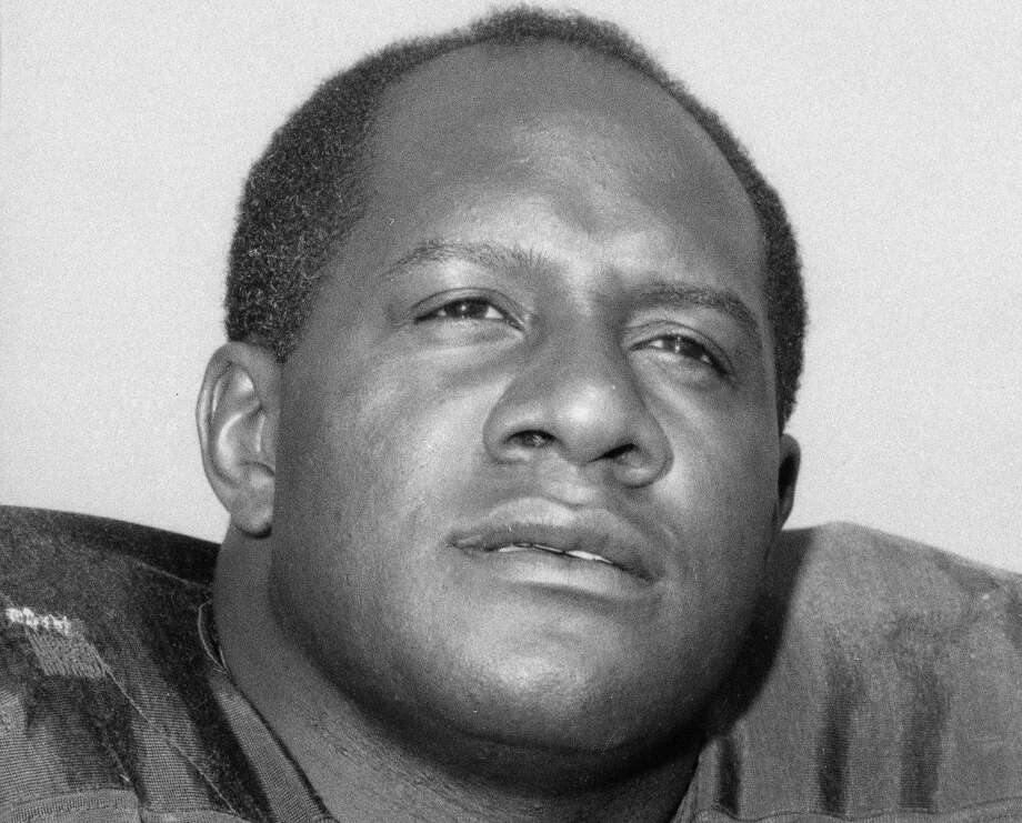FILE - This is a 1966 file photo showing Green Bay Packers' Willie Davis. Davis, a Pro Football Hall of Fame defensive lineman who helped the Packers win each of the first two Super Bowls, has died. The Packers confirmed Davis' death to the Pro Football Hall of Fame on Wednesday, April 15, 2020. He was 85. (AP Photo/File) / AP1966