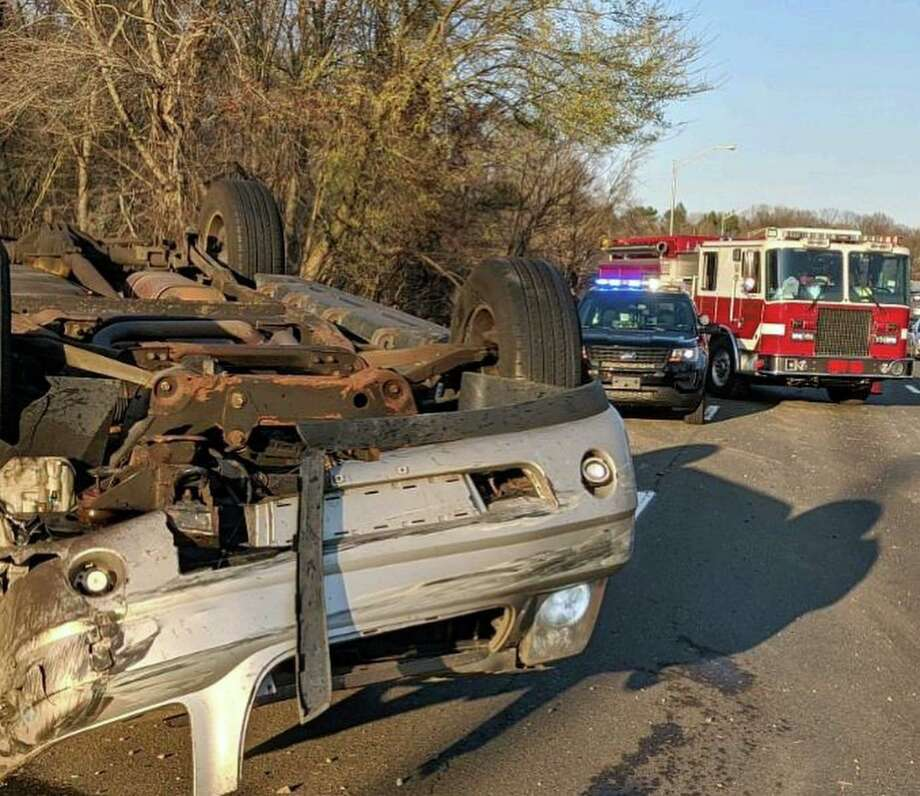 A rollover on I-95 in Westport, Conn., on Wednesday, April 15, 2020. Photo: Contributed Photo / Westport Fire Department