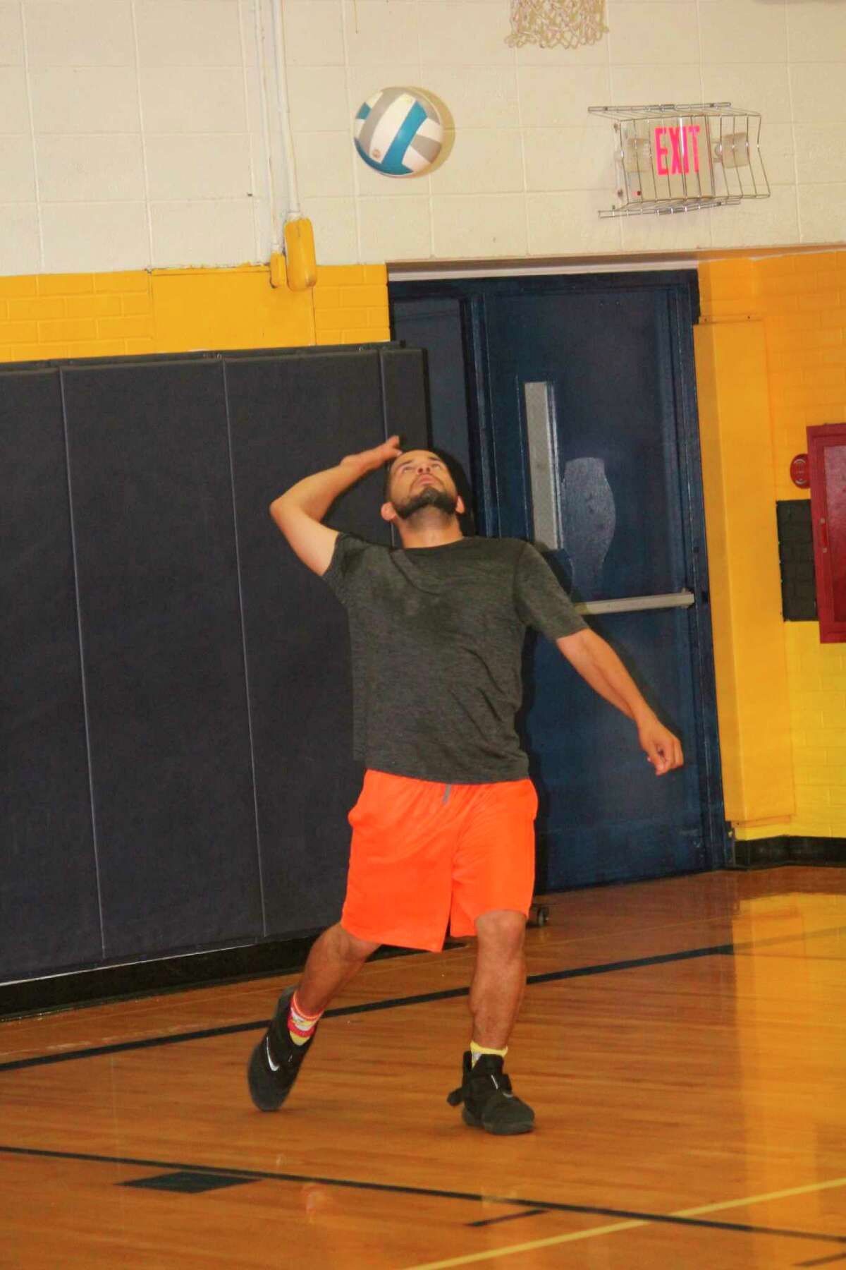 Baldwin volleyball coach Duane Roberts has been advising his players to stay in shape and exercise while they're still at home. (Star file photo)