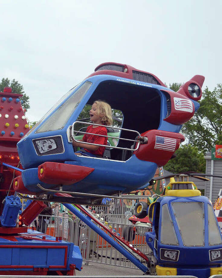 Some light rain wasn't enough to stop the fun at the 14th annual Glen Carbon Homecoming. Photo: Scott Marion | The Intelligencer