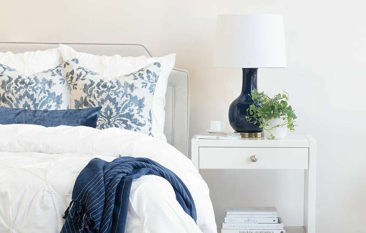 Save Up To 70 On Gorgeous Bedding Sheets Rugs And Home Decor With Crane Canopy