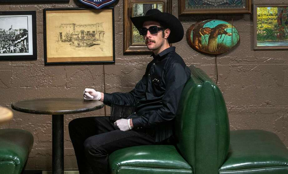 "Garrett T. Capps will host the ""Viva!"" telethon to benefit Bexar County artists live from The Lonesome Rose. Photo: William Luther /Staff / ©2020 San Antonio Express-News"