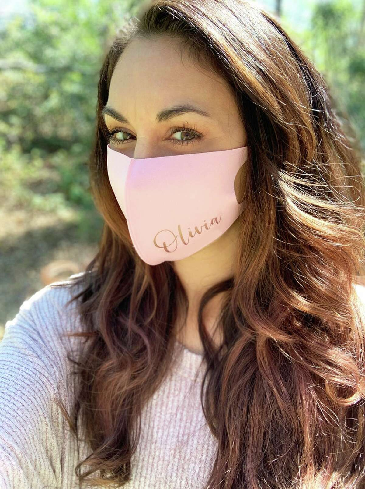 TheWhiteInviteGifts shop is here to offer chic and personalized face masks. With the option of pink or charcol masks, customers can customize it with their full name or monogram in a range of lettering. Price: starting at $16
