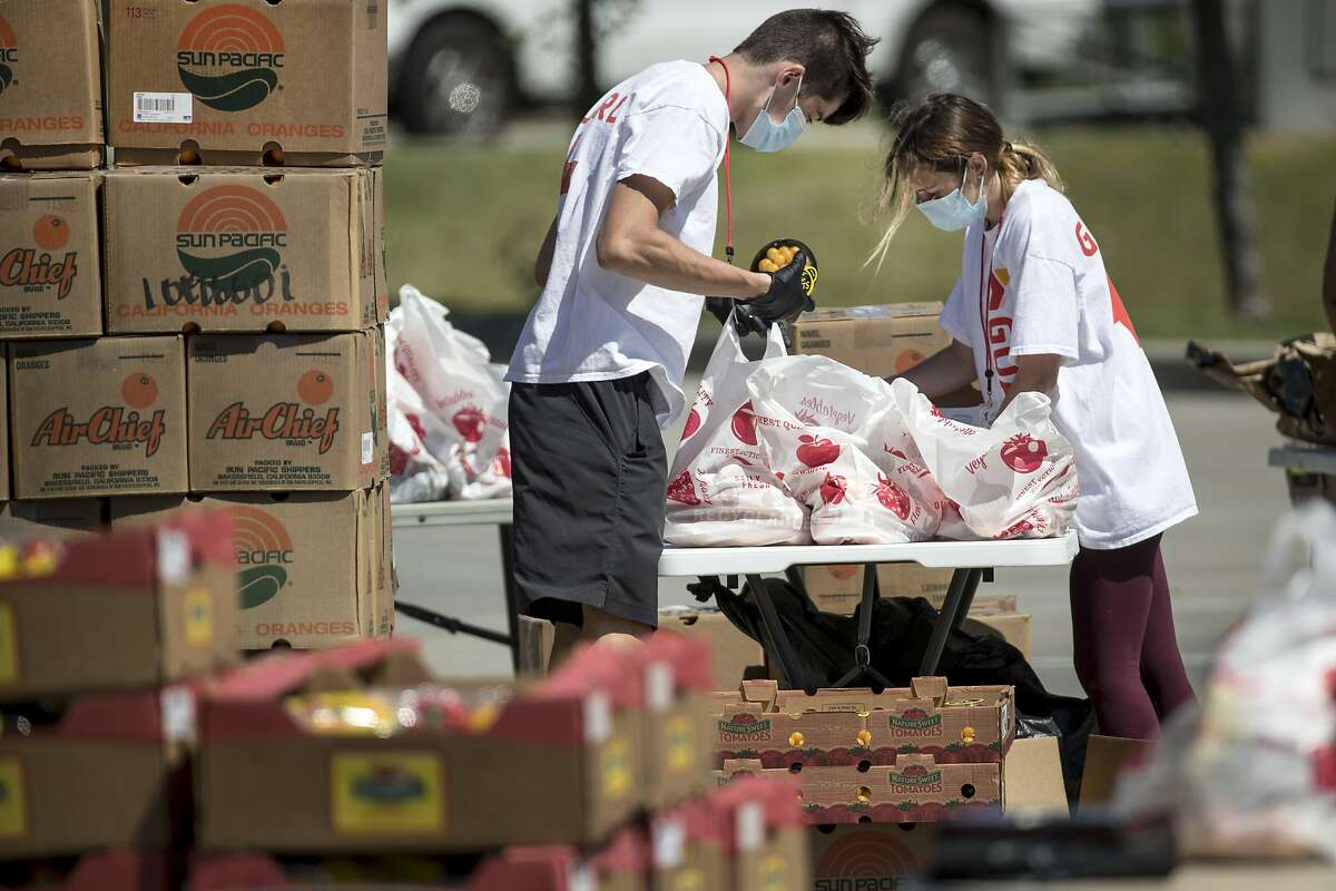 Gov. Jay Inslee is calling for moreWashingtonresidents and corporations to donate to a new relief fund to help food banks across the state meet the growing need during thenovel coronavirusoutbreak.