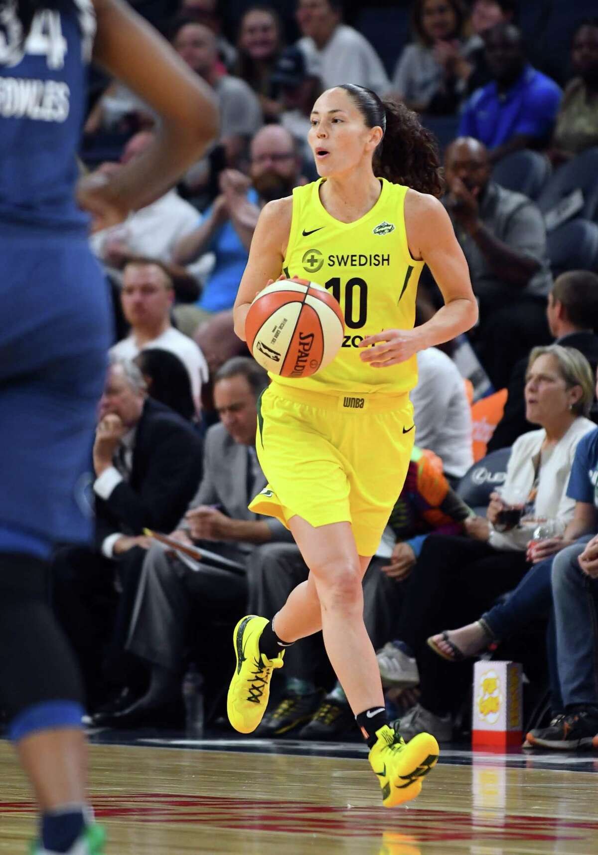 MINNEAPOLIS, MN - JUNE 26: Seattle Storm Guard Sue Bird (10) looks to pass during a WNBA game between the Minnesota Lynx and Seattle Storm on June 26, 2018 at Target Center in Minneapolis, MN. The Lynx defeated the Storm 91-79.(Photo by Nick Wosika/Icon Sportswire via Getty Images)