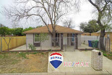 417 E Montgomery. Click the address for more information Fully renovated home located in central Laredo! Laminate flooring throughout, granite kitchen counters, open concept living and formal dining! Fully fenced and half bath outside!  Call me for a virtual tour or more information. Erica Reyna, REALTOR RE/MAX Real Estate Services 956-333-1049