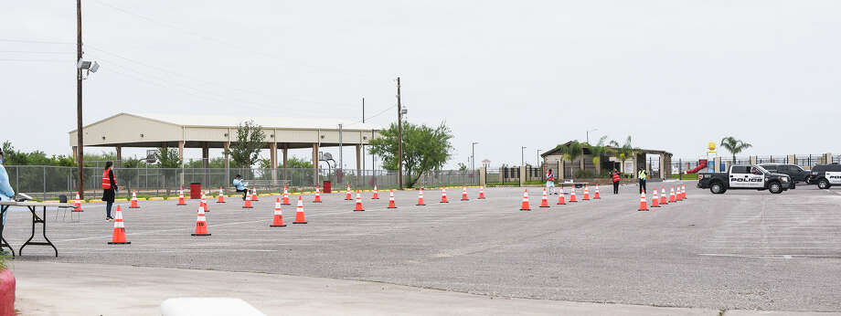 Drive Thru COVID-19 Testing Clinic opens Thursday, Apr. 16, 2020, with screening at the Bartlett Soccer Complex and administered tests at the El Metro Park and Ride. Photo: Danny Zaragoza/Laredo Morning Times