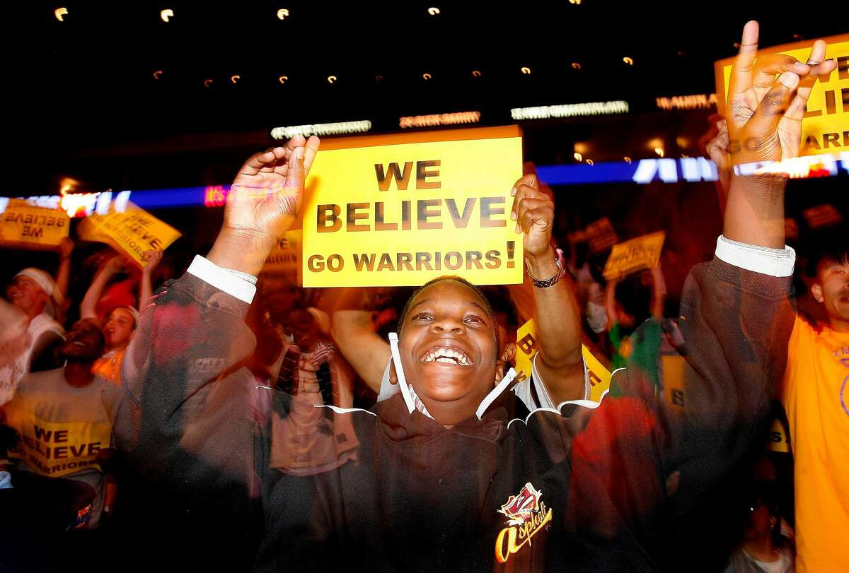 Tyrell Murray of Oakland cheers in second half at Oracle Arena in Oakland, CA, April 18, 2007. FANS REACT TO THE WARRIORS V. PORTLAND GAME. PHOTO: Mark Costantini / The Chronicle