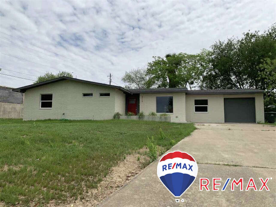 313 Candlewood Rd. Click on the address for more information.