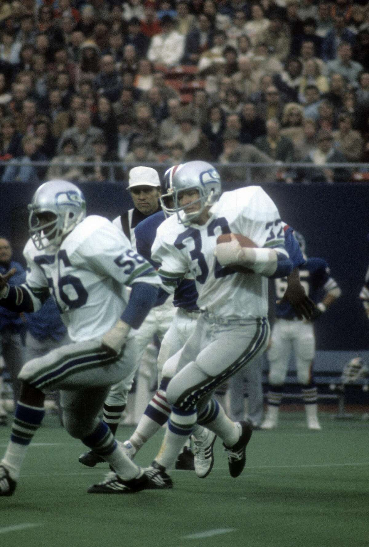 Curtis joined Seattle through the expansion draft in 1976, what turned out to be his only year with the team. The first defensive captain of the Seahawks, Curtis started all 14 games for the team that season at right linebacker.