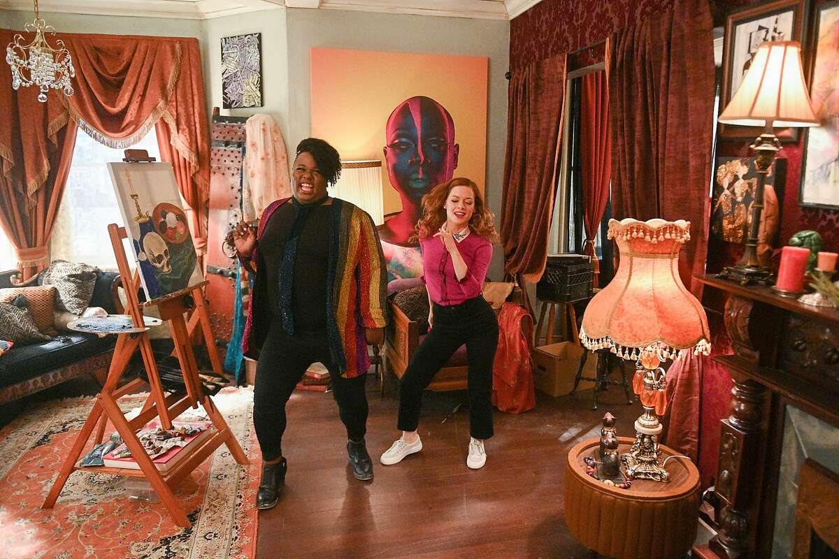 Alex Newell as Mo (left) and Jane Levy as Zoey in