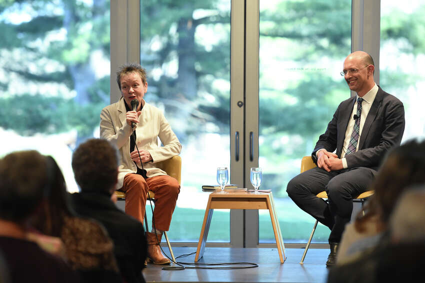 Artist Laurie Anderson speaks with Director of the Skidmore College Asian Studies Program Benjamin Bogin, Tang Teaching Museum at Skidmore College, April 17, 2019. photo by Cindy Schultz
